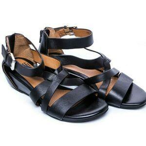 Sofft Gladiator Black Sandals Size 6